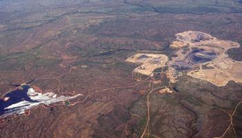 Century base metal mine in Queensland's north-west Photo © Geomartin